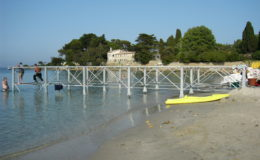 2006-cap-dantibes-francia-montaggio-pontoni17