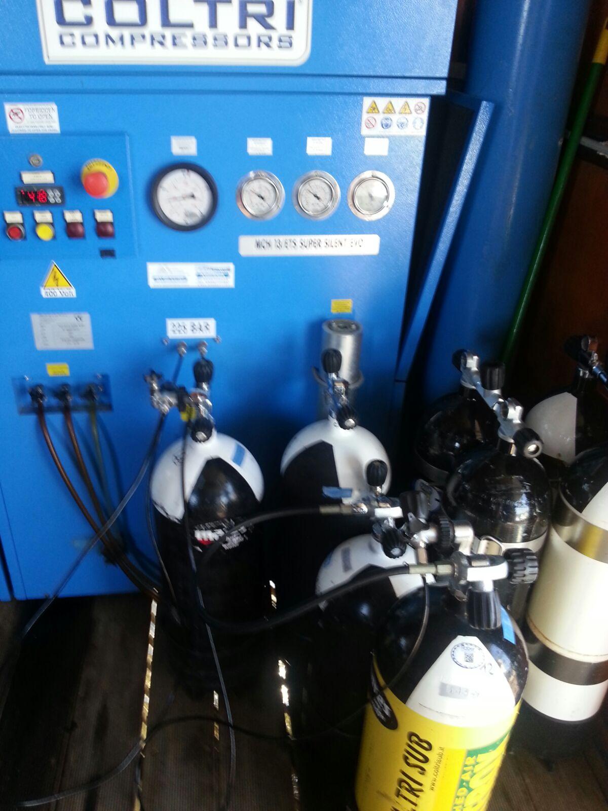 Compressore per ricarica bombole